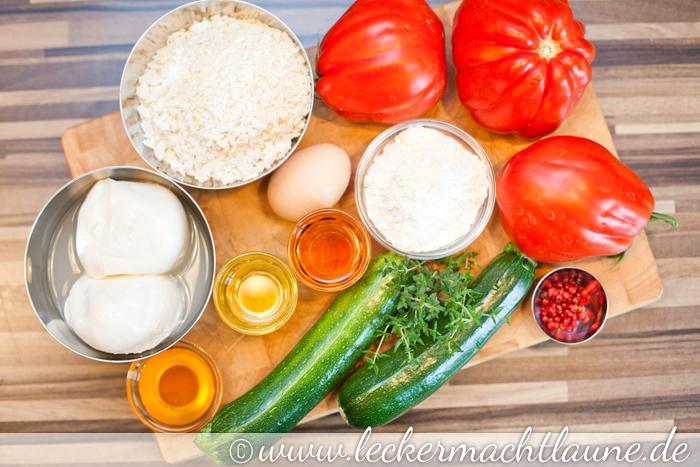 tomaten zucchini salat mit paniertem mozzarella lecker macht laune. Black Bedroom Furniture Sets. Home Design Ideas