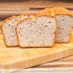 Dinkel-Sandwich-Brot mit Sonnenblumenkernen