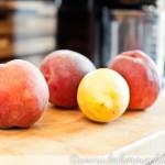 Pfirsiche und Zitrone