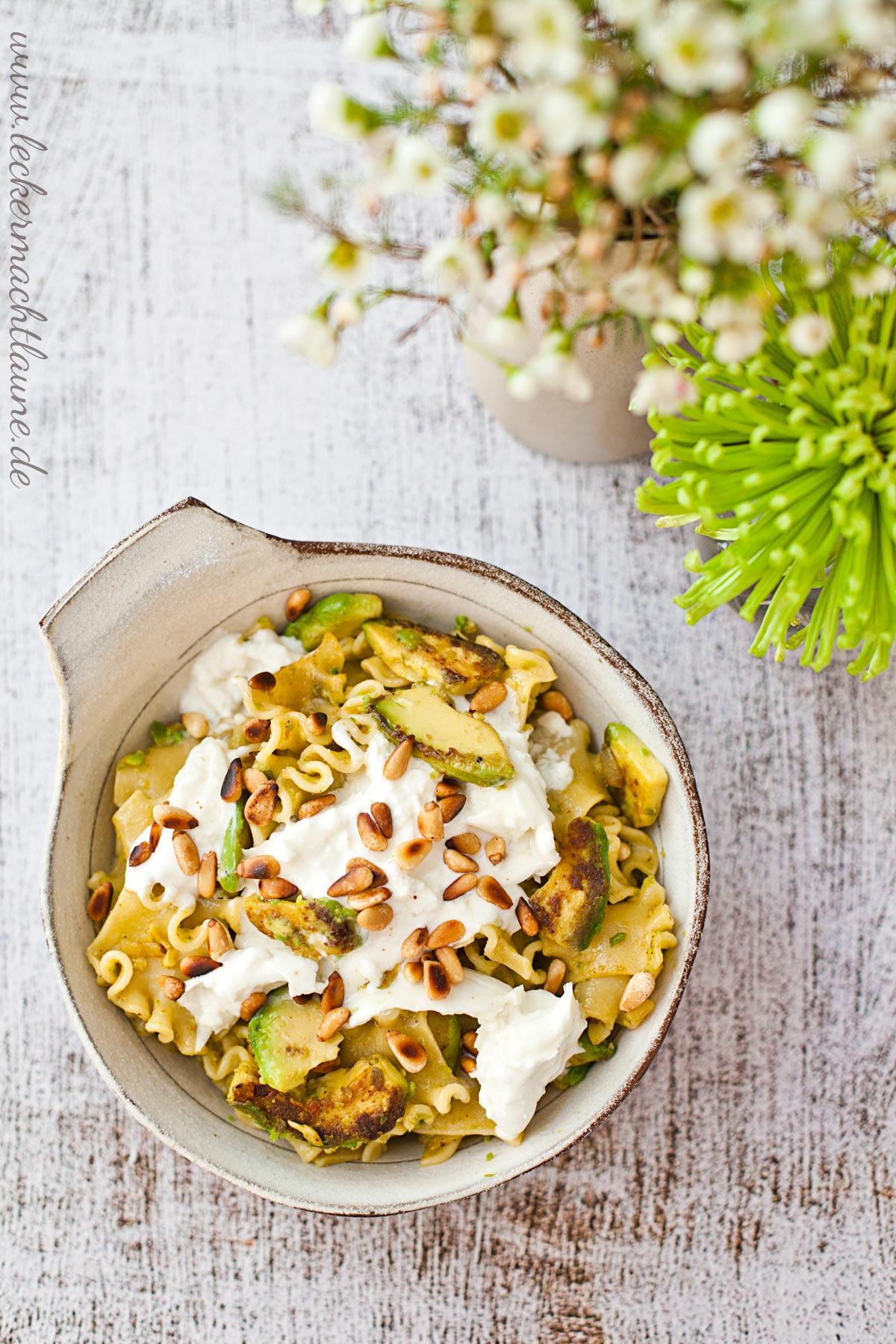 Nudeln / Gebratene Avocado / Burrata {feierabendessen}