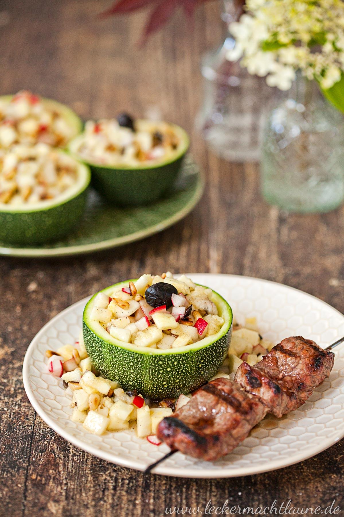 Zucchini-Salat {salatbar & zucchinischwemme}