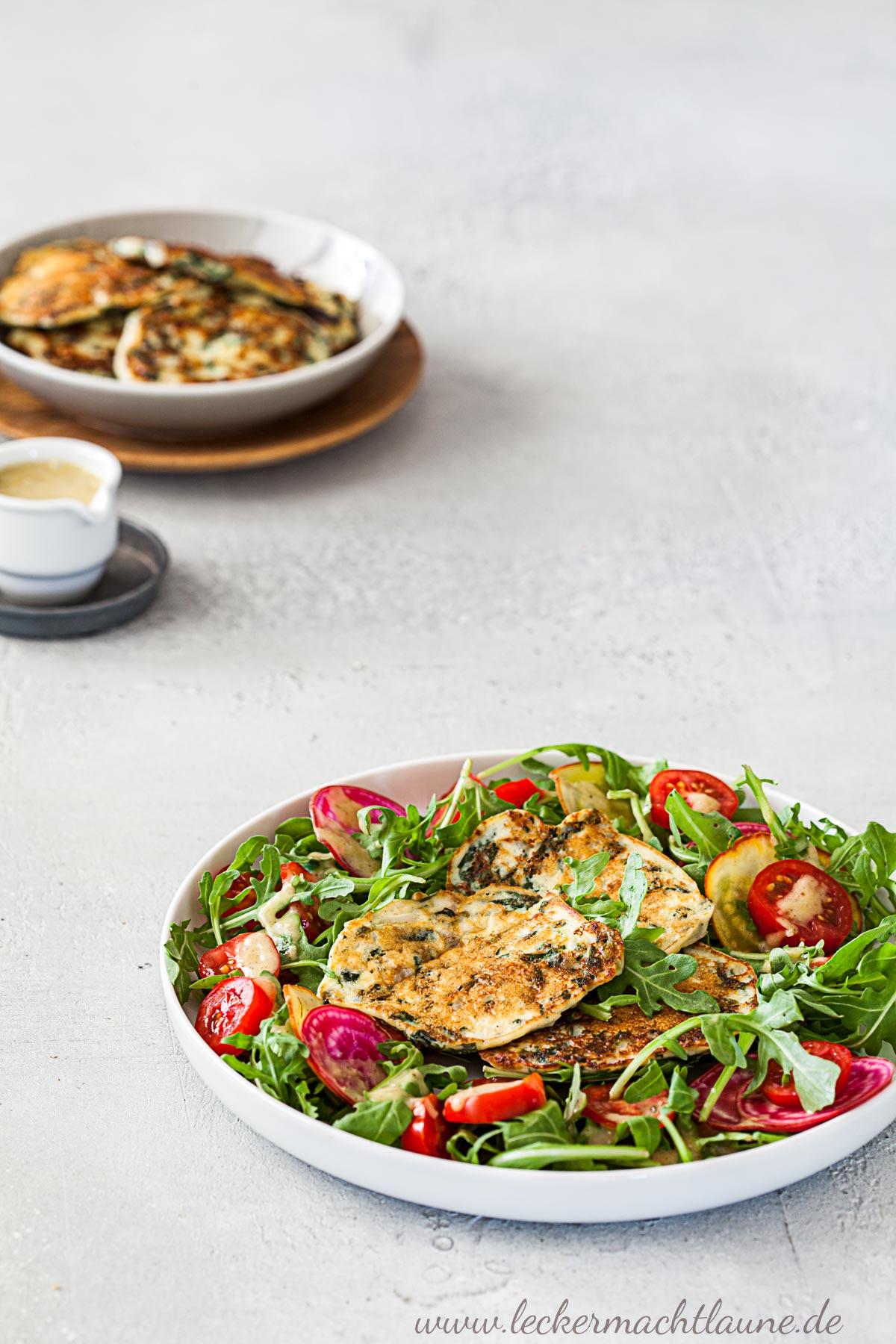 Spinatküchlein auf Rucola-Salat   lecker macht laune