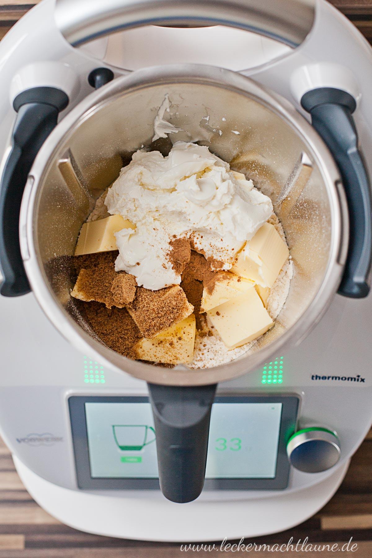 Apfel-Quark-Kuchen {frisch aus dem ofen} | lecker macht laune
