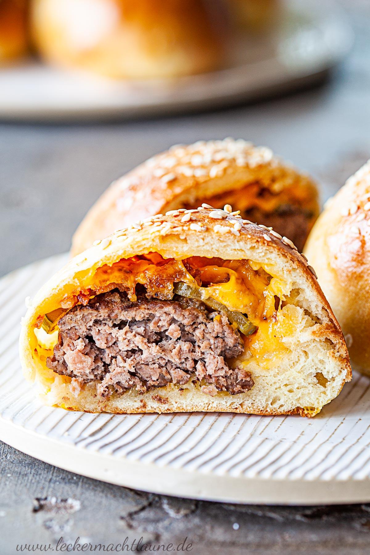 Eingebackene Cheeseburger   lecker macht laune