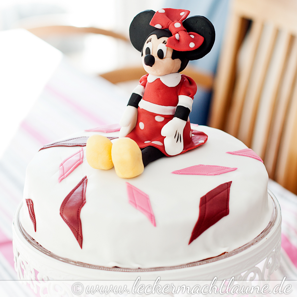minni mouse torte making of lecker macht laune. Black Bedroom Furniture Sets. Home Design Ideas